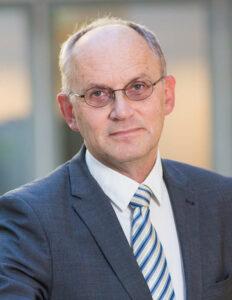 Theo A. Boer: Geraten bei der Sterbehilfe auf eine schiefe Ebene.