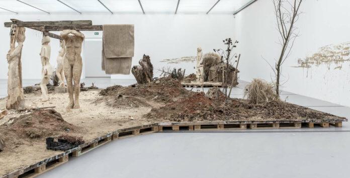 """""""Cosmic Order"""" von Pawel Althamer begeistert mit einer Naturkulisse."""