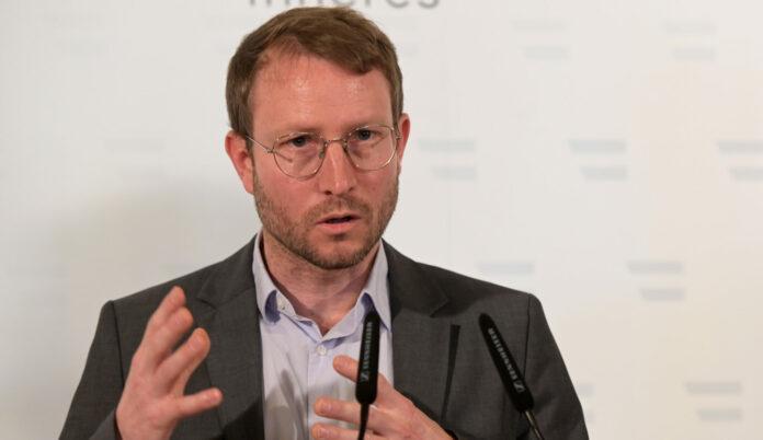 Bernhard Benka, Leiter für Seuchenbekämpfung im Sozialministerium.