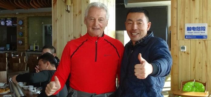 Wolfgang Preisinger ist seit 20 Jahren beruflich in China aktiv. Derzeit überwacht er als Supervisor im Auftrag des Salzburger Skiverbandes die Skilehrer-Ausbildung im Land des Lächelns.