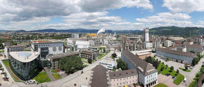 Bei der Borealis im Linzer Chemiepark werden weiter alle Mitarbeiter beschäftigt. Andere Betriebe kämpfen.