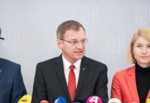OÖ reagiert auf das Coronavirus (v. l.): Landesrat Markus Achleitner, Landeshauptmann Thomas Stelzer und Gesundheitsreferentin Landeshauptmann-Stv. Christine Haberlander