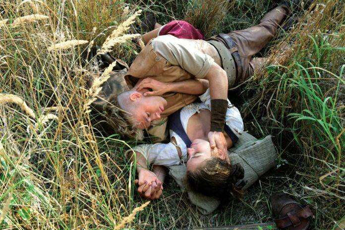 Goldmund (Jannis Niewöhner) liebt Lene (Henriette Confurius).