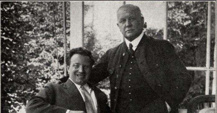 Richard Tauber (l.) und Lehár 1926 in dessen Villa in Bad Ischl