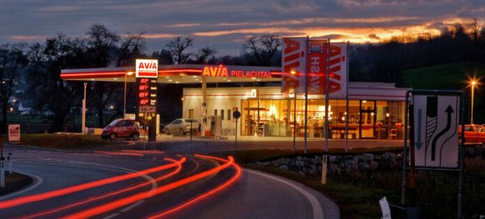 Über mehr als 100 Tankstellen verfügt AVIA in Österreich, nun will man auch Strom und Gas anbieten.