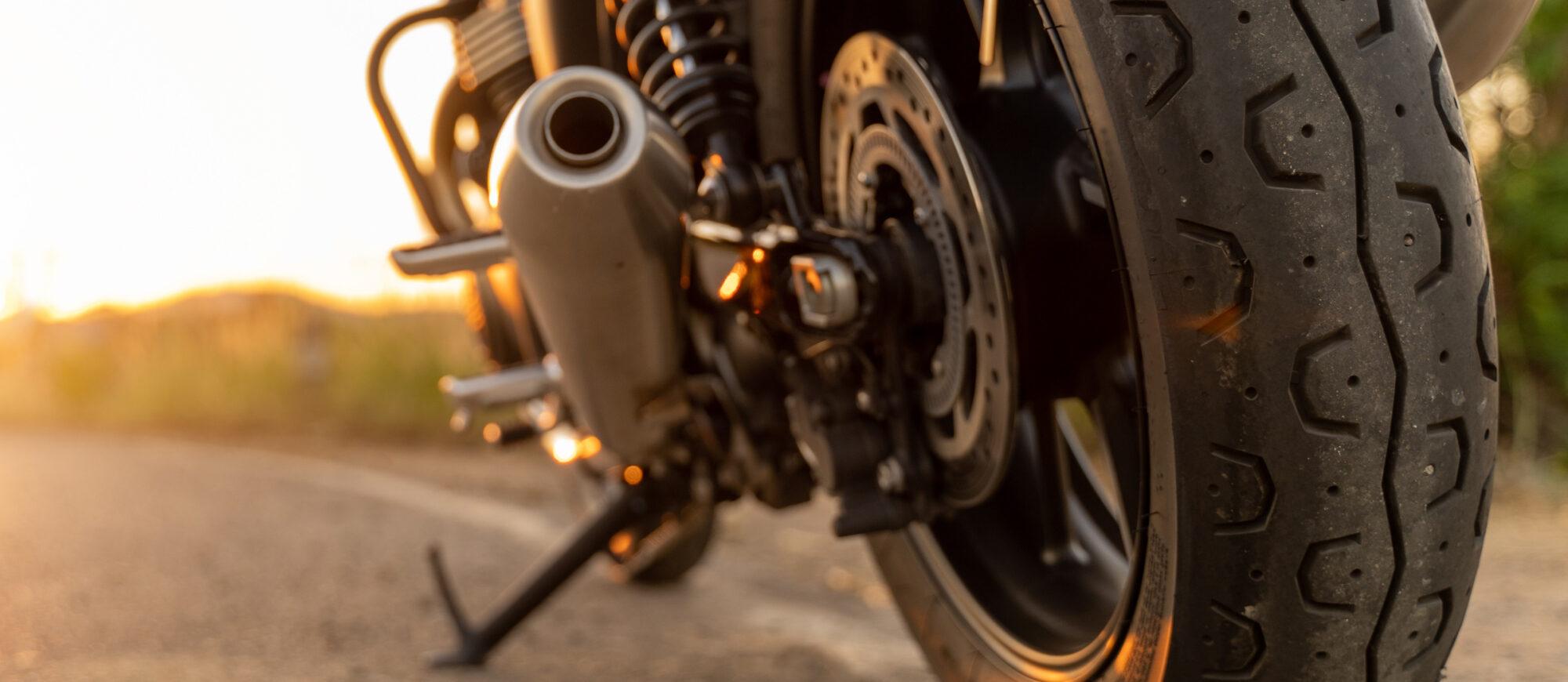 So reinigen Sie Fahrrad, Motorrad und Roller mit dem