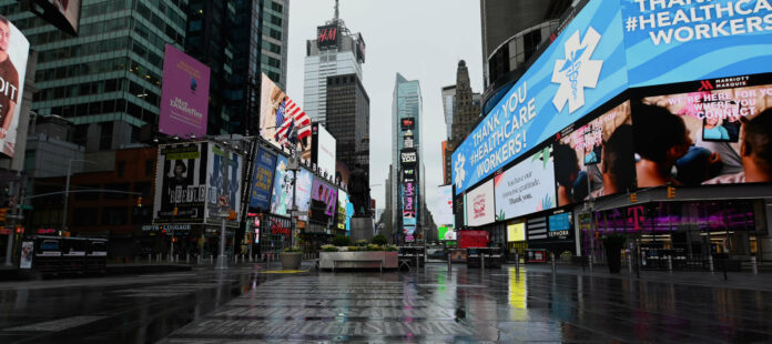Die ganze Welt ist Bühne, das gilt normalerweise insbesondere am legendären New Yorker Broadway.