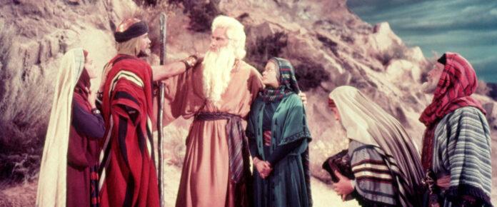 """Charlton Heston in einer seiner Paraderollen als Moses im Monumentalwerk """"Die zehn Gebote"""". Am 9. April (20.15 Uhr) auf ORF III."""