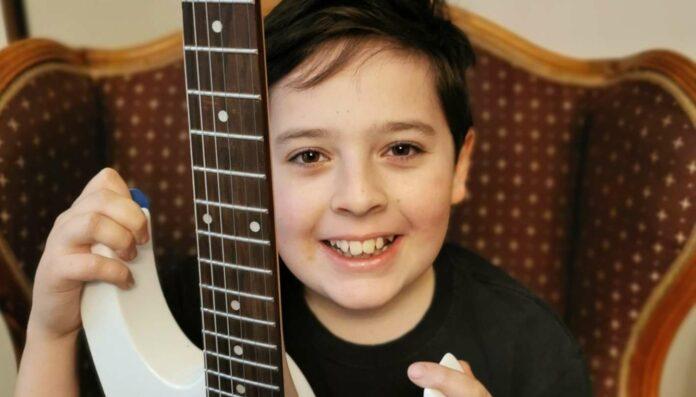 """Valentin ist Schüler von Wolfgang Bruno Bründlinger an der Musikschule Linz und hat im Rahmen der Aktion """"#mitmusikleichterdurchdiekrise"""" schon ein Video auf Youtube hochgeladen: www.youtube.com/musikschulelinz"""