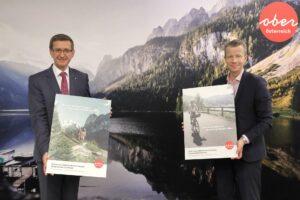 Tourismus-Landesrat Markus Achleitner und Paul Eiselsberg (r., Imas), präsentierten eine aktuelle Umfrage zum Urlaubsverhalten der Oberösterreicher