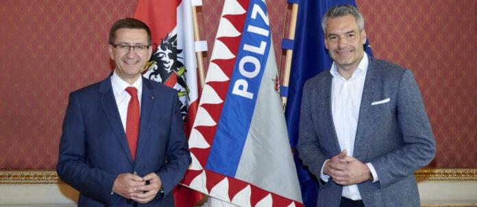 V. l.: Achleitner und Nehammer für offene Grenzen zu Bayern