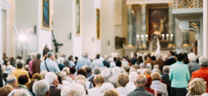 """Bilder dieser Art wird es in den katholischen Kirchen bis auf weiteres nicht geben, das gemeinsame Beten und Singen sei """"auf ein Minimum"""" zu reduzieren, heißt es in einem nun veröffentlichten Hirtenwort der Bischofskonferenz."""