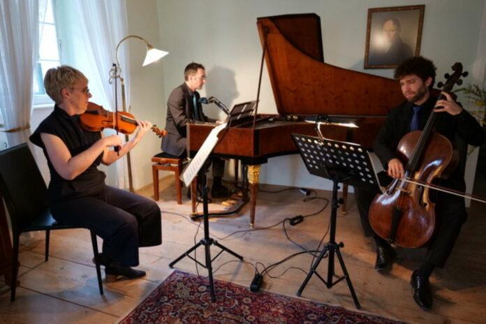 Auch ganz ohne Publikum begeisterte das Ensemble Castor mit ihrem Konzert im Gerstlhaus.
