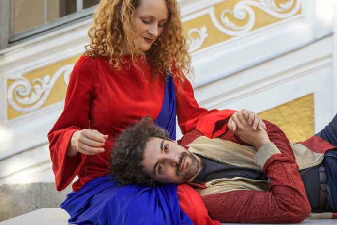 "Szene aus ""Krach im Hause Gott"", das Mitterer-Stück ist nach 2019 auch heuer bei den Festspielen Schloss Tillysburg zu sehen."