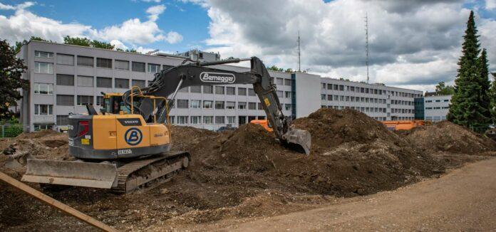 Mit dem Bau der neuen Polizei-Landesleitzentrale wurde bereits begonnen. Die Eröffnung ist für Herbst 2021 geplant.