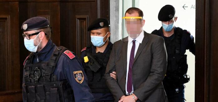 Der Angeklagte bekannte sich zum Prozessauftakt nicht schuldig.