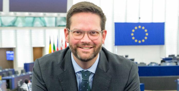 Für EU-Abg. Mandl verfolgt der Islamophobie-Bericht das Ziel einer Spaltung der Gesellschaft.