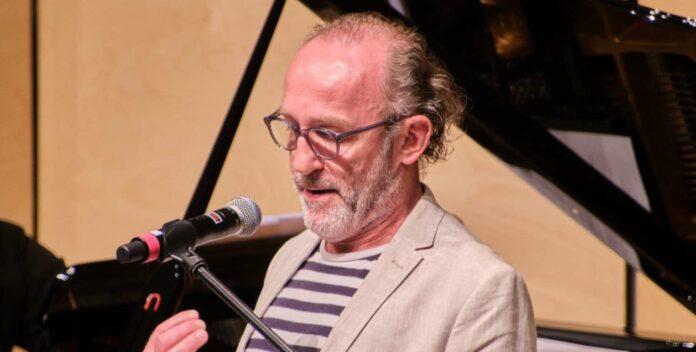 Karl Markovics konnte zum Auftakt des Attergauer Kultursommers das Publikum mehr als begeistern.