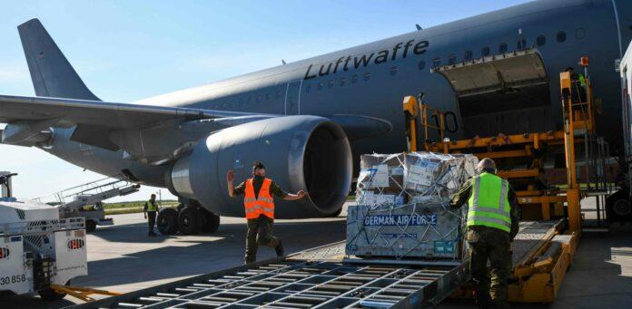 Armenien ist im Nachbarschaftsbereich der Europäischen Union derzeit das Land mit der höchsten Zahl an Neuinfektionen. In Köln startete gestern ein Hilfsteam mit Ausrüstung in Richtung Armenien.
