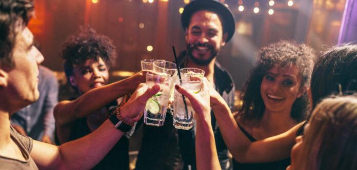 Gemeinsames feiern im Club oder in der Disco muss warten.
