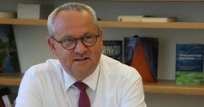 Landtagspräsident Wolfgang Stanek lebt seit vielen Jahren in Wilhering, der 61-Jährige ist verheiratet und Vater eines Sohnes. Stanek ist seit 1991 OÖVP-Landtagsabgeordneter, seit 30. Jänner ist er Präsident des oberösterreichischen Landtages.