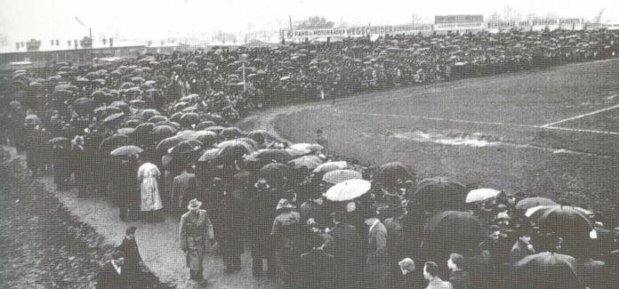 Bilder vom legendären LASK-Platz in der Paul-Hahn-Straße: Wo heute eine HTL steht, hatte der LASK von 1921 bis 1966 seine Heimstätte.
