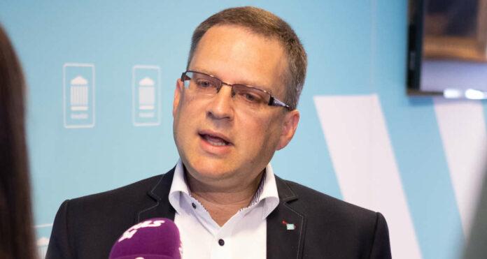 ÖVP-Klubobmann August Wöginger präsentierte am Dienstag einen 5-Punkte-Plan zur Pflegereform.