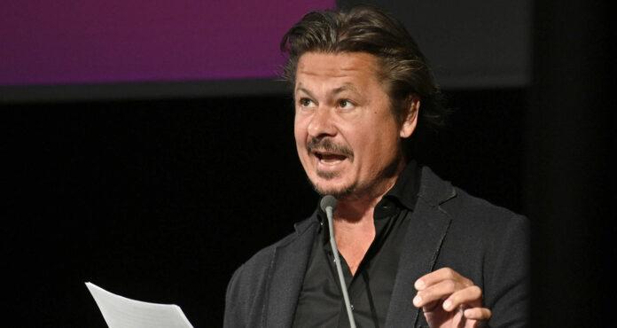 Schauspieler und Autor Michael Dangl wird mit zwei Lesungen den Attergauer Kultursommer bereichern.