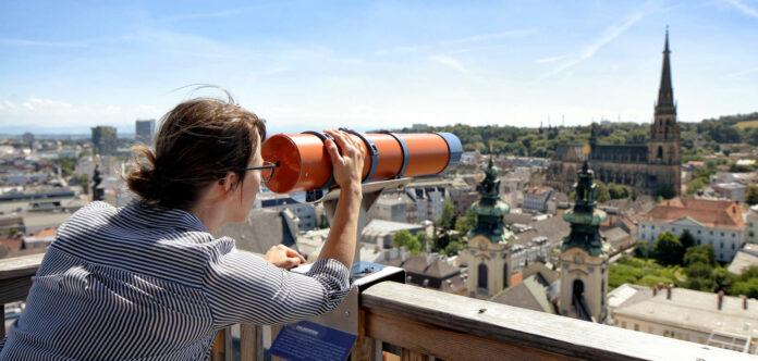 Noch muss auf die blendende Aussicht vom Höhenrausch-Dach aus gewartet werden.
