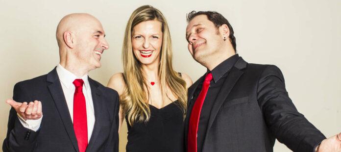 Das Wiff & HanzHanz Ensemble mit Barbara Hell tritt am 5. August im Kulturzentrum Hof auf.
