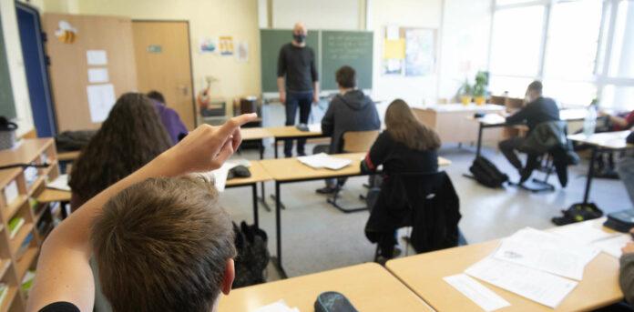 Abstand halten soll im Herbst an den Schulen zur Routine werden.