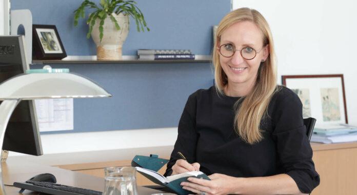 Die Direktorin der Abteilung für Kultur und Gesellschaft beimLand OÖ, Margot Nazzal