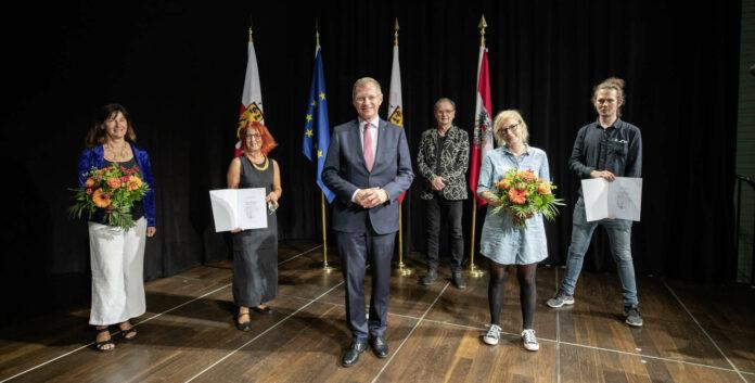V. l.: Gurtner, Christine Wawrinek. LH Stelzer, Weidinger, Koblinger und Florian Loimayr