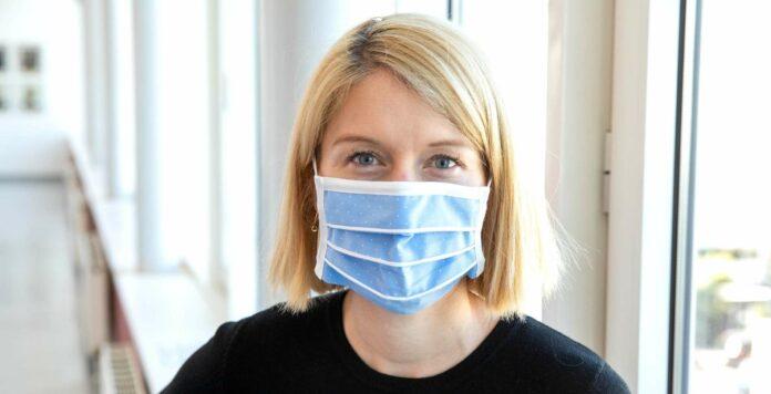 LH-Stv. Christine Haberlander propagiert den Mund-Nasen-Schutz.