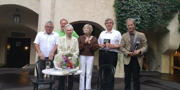 Waltraut Haas, Ulli Fessl und Pianist Markus Vorzellner wussten das Publikum mitzureißen.