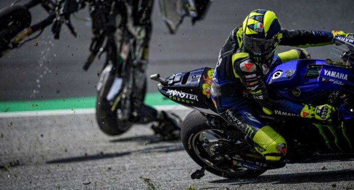 Valentino Rossi und Maverick Vinales sind nur hauchdünn den beiden fliegenden Motorrädern und damit einer Katastrophe entronnen.