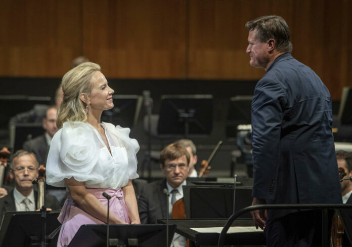 Elina Garanca und Christian Thielemann lieferten mit den Wiener Philharmonikern einen unvergesslichen Abend.