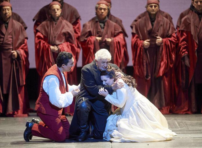 Placido Domingo und Hibla Gerzmava