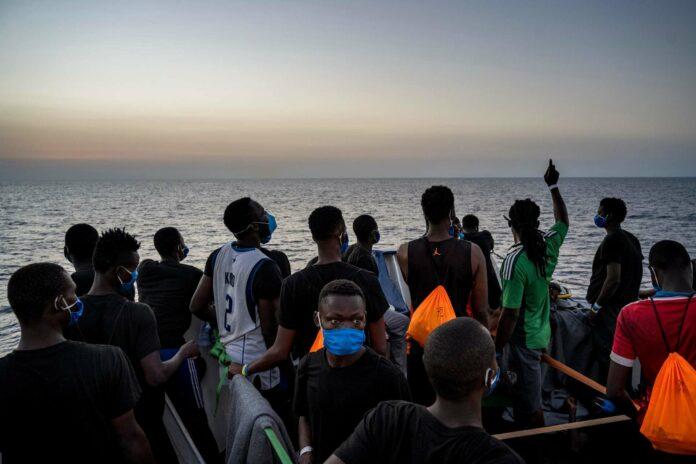Immer wieder versuchen Flüchtlinge aus afrikanischen Ländern, auf dem Seeweg europäisches Territorium zu erreichen, Tendenz steigend.