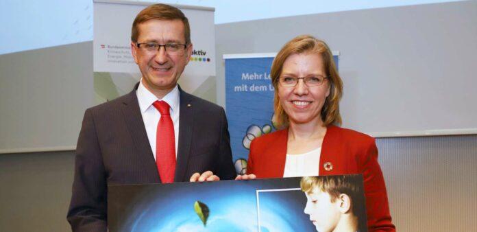 LR Achleitner und Bundesministerin Leonore Gewessler erwarten einen Impuls auch für die Wirtschaft.