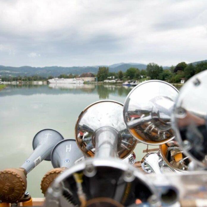 Klanghörner im Linzer Hafen