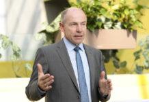 LR Max Hiegelsberger forciert die Web-Aktivitäten der Genussland-Anbieter.