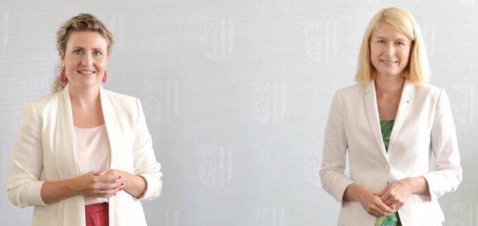 Integrationsministerin Susanne Raab (l.) und Oberösterreichs Frauenreferentin LH-Stellvertreterin Christine Haberlander