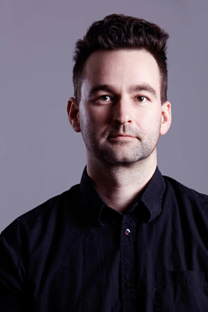 Der in Linz geborene Autor Stephan Roiss