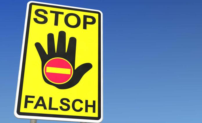 Schild STOP FALSCH Geisterfahrer
