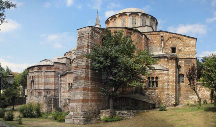 Die frühere Chora-Kirche in Istanbul: Christliche Fresken und Mosaike...... wurden abgedeckt, damit sie heute beim muslimischen Freitagsgebet nicht stören.Präsident Erdogan hat die ehemalige Chora-Kirche in Istanbul wie im Juli die Hagia Sophia zur Moschee gemacht.