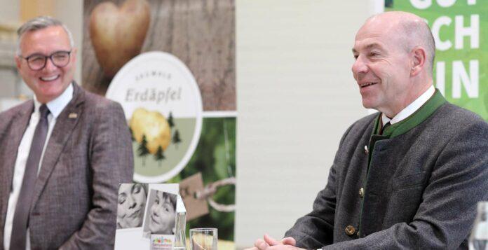 V. l.: Josef Lehner (Genussland Oberösterreich) und Agrar-Landesrat Max Hiegelsberger