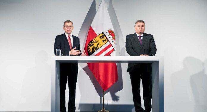LH Thomas Stelzer (l.) und LR Günther Steinkellner
