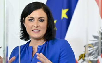 Landwirtschaftsminsterin Elisabeth Köstinger war maßgeblich an der Verhandlung der nunmehrigen Lösung beteiligt.