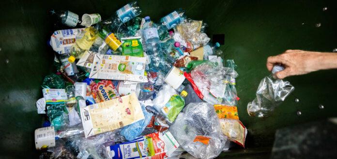 Ein Pfand für Plastikflaschen trifft in der heimischen Wirtschaft auf recht wenig Gegenliebe.